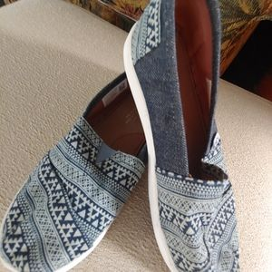 TOMS Denim Aztec Slip On Sneakers